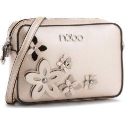 Torebka NOBO - NBAG-E1600-C000 Perłowy. Brązowe listonoszki damskie Nobo, ze skóry ekologicznej, na ramię. W wyprzedaży za 109,00 zł.