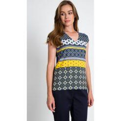 Bluzki damskie: Granatowa bluzka we wzory QUIOSQUE