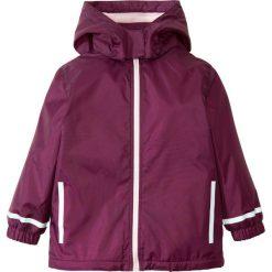 Kurtka przeciwdeszczowa ocieplana bonprix bladoróżowo-jeżynowy. Różowe kurtki dziewczęce przeciwdeszczowe marki COCCODRILLO, z poliesteru. Za 49,99 zł.