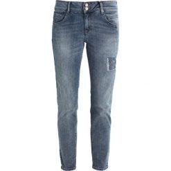 Betty & Co Jeansy Slim Fit blue denim. Niebieskie jeansy damskie Betty & Co. W wyprzedaży za 359,20 zł.