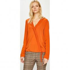 Silvian Heach - Bluzka. Pomarańczowe bluzki z odkrytymi ramionami Silvian Heach, l, z materiału, casualowe, z włoskim kołnierzykiem. Za 249,90 zł.