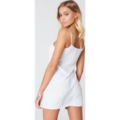 NA-KD Basic Sukienka z tkaniny Basic - White. Różowe sukienki mini marki NA-KD Basic, z bawełny. Za 72,95 zł.