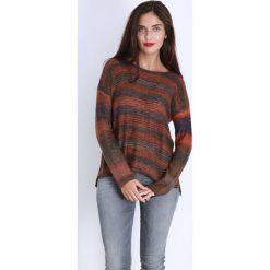 Swetry damskie: Sweter w kolorze brązowo-pomarańczowym