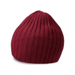 Czapka w kolorze bordowym. Czerwone czapki zimowe męskie Vistula, ze splotem. W wyprzedaży za 79,95 zł.