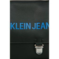 Calvin Klein - Torebka. Szare torebki klasyczne damskie marki Calvin Klein, w paski, z materiału, średnie. W wyprzedaży za 499,90 zł.