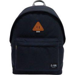 Plecaki męskie: Plecak w kolorze czarnym – 29 x 40 x 14 cm