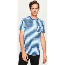 T-shirty męskie: T-shirt w paski z kieszonką – Niebieski