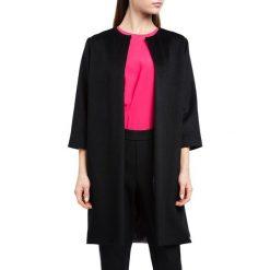 Płaszcz damski 84-9W-100-1. Czarne płaszcze damskie marki Wittchen, s, w kolorowe wzory, z wełny, klasyczne. Za 449,00 zł.