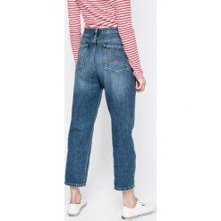 Mustang - Jeansy. Niebieskie jeansy damskie relaxed fit marki Reserved. W wyprzedaży za 159,90 zł.