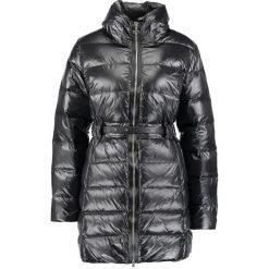 Carolina Cavour Płaszcz puchowy black. Czarne płaszcze damskie puchowe Carolina Cavour, m, z materiału. W wyprzedaży za 504,50 zł.