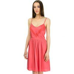 Odzież damska: Sukienka w kolorze czerwonym