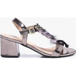 Gioseppo - Sandały. Czarne sandały damskie marki Gioseppo, z materiału, na obcasie. W wyprzedaży za 199,90 zł.