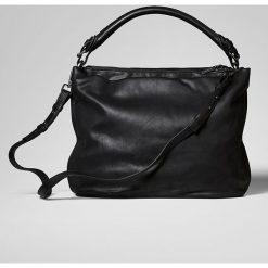 Torebka w kolorze czarnym - 49 x 42 x 14 cm. Torebki klasyczne damskie Marc O'Polo Accessoires, w paski, z materiału. W wyprzedaży za 386,95 zł.