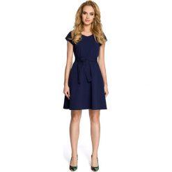 ALLISON Sukienka szmizjerka - granatowa. Niebieskie sukienki balowe Moe, do pracy, z klasycznym kołnierzykiem, dopasowane. Za 129,99 zł.