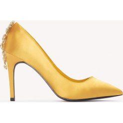 Szpilki: NA-KD Shoes Satynowe szpilki ze zdobionymi obcasami – Gold