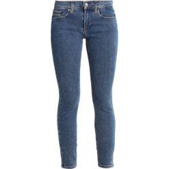 Calvin Klein Jeans MID RISE SKINNY Jeans Skinny Fit barkly blue. Niebieskie jeansy damskie marki Calvin Klein Jeans, z bawełny. W wyprzedaży za 356,85 zł.