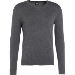 Swetry klasyczne męskie: BOSS CASUAL AKYVIS Sweter medium grey