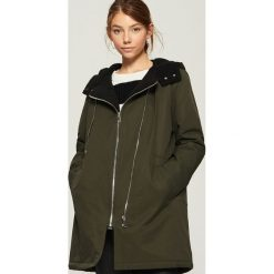 Płaszcz z ociepleniem - Khaki. Brązowe płaszcze damskie Sinsay, l. W wyprzedaży za 159,99 zł.