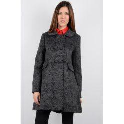 Płaszcze damskie pastelowe: Płaszcz półdługi z kołnierzem typu claudine
