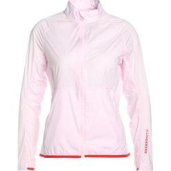 J.LINDEBERG SALLY  Kurtka Outdoor soft pink. Czerwone kurtki damskie turystyczne J.LINDEBERG, s, z elastanu. W wyprzedaży za 535,20 zł.