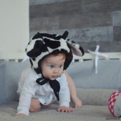 Czapka bonetka Krowa. Szare czapeczki niemowlęce Pakamera, z bawełny. Za 78,00 zł.