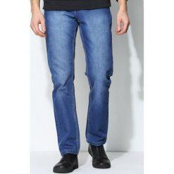 Granatowe Jeansy Durable. Czarne jeansy męskie marki Born2be, l, z aplikacjami, z dresówki. Za 59,99 zł.