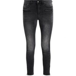 Vero Moda SLIM ANKLE ZIP Jeans Skinny Fit black. Czarne jeansy damskie marki Vero Moda, z bawełny. W wyprzedaży za 183,20 zł.