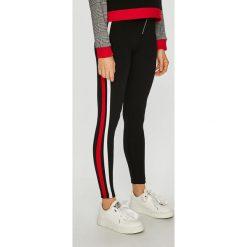 Tally Weijl - Legginsy. Czerwone legginsy marki TALLY WEIJL, l, z dzianiny, z krótkim rękawem. Za 89,90 zł.