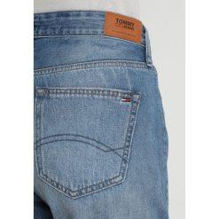 Tommy Jeans RELAXED Szorty jeansowe bleep mid blue rigid. Niebieskie bermudy damskie Tommy Jeans. Za 399,00 zł.