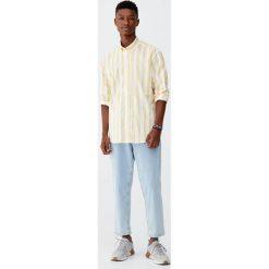 Koszula w dwukolorowe paski. Czerwone koszule męskie w paski marki Pull&Bear, m. Za 99,90 zł.