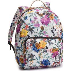 Plecak THE PACK SOCIETY - 184CPR702.91  Biały Kolorowy. Białe plecaki męskie The Pack Society, w kolorowe wzory, z materiału. W wyprzedaży za 149,00 zł.
