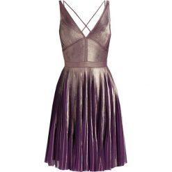Sukienki hiszpanki: Karen Millen METALLIC PRINT PLEAT DRESS COLLECTION Sukienka koktajlowa gold