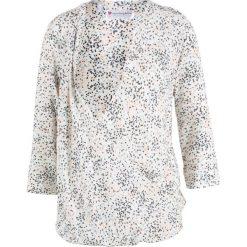 Bluzka ciążowa i do karmienia bonprix biel wełny z nadrukiem. Białe bluzki asymetryczne bonprix, w kolorowe wzory, z wełny, z kopertowym dekoltem. Za 89,99 zł.