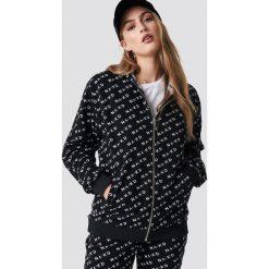NA-KD Bluza z kapturem z suwakiem - Black. Czarne bluzy rozpinane damskie NA-KD, z nadrukiem, długie, z kapturem. Za 161,95 zł.