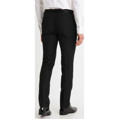 Pier One Garnitur black. Czarne garnitury marki Pier One, z materiału. Za 429,00 zł.