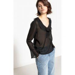 Bluzki asymetryczne: Bluzka z tkaniny plumetis z dekoltem w serek i falbankami, długi rękaw