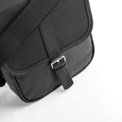 Torby na ramię męskie: Czarna Męska torba na ramię / tablet