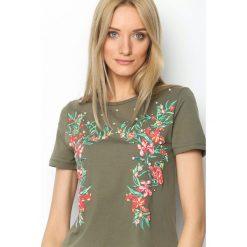Ciemnozielony T-shirt Forcefulness. Zielone bluzki damskie Born2be, l. Za 49,99 zł.