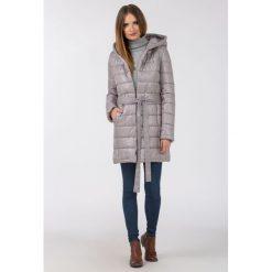 Płaszcze damskie: Pikowany płaszcz z połyskiem II