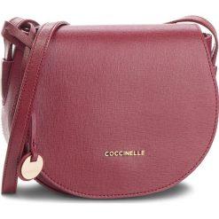 Torebka COCCINELLE - CF5 Clementine E1 CF5 15 02 01 Grape R04. Czerwone listonoszki damskie Coccinelle, ze skóry, bez dodatków. Za 949,90 zł.