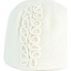 Czapka damska Esy floresy biała (cz15373). Białe czapki zimowe damskie Art of Polo. Za 56,30 zł.