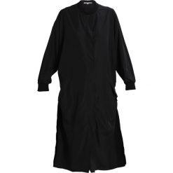 Płaszcze damskie: Moss Copenhagen DEYA  Krótki płaszcz black