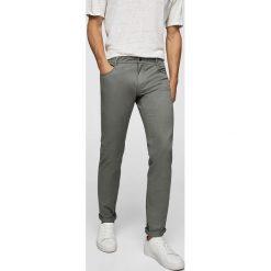 Mango Man - Spodnie Pisa3. Szare rurki męskie Mango Man, z bawełny. W wyprzedaży za 99,90 zł.
