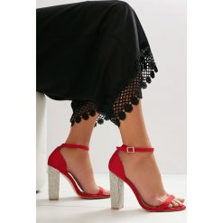 Czerwone Sandały Great Fall. Czerwone sandały damskie vices, na wysokim obcasie. Za 89,99 zł.
