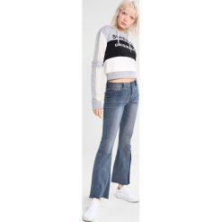Bluzy damskie: Superdry SLEEVE CROP HOOD Bluza z kapturem mono