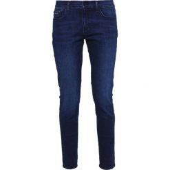 Calvin Klein Jeans MID RISE SKINNY Jeans Skinny Fit darkblue denim. Niebieskie jeansy damskie Calvin Klein Jeans, z bawełny. W wyprzedaży za 359,20 zł.