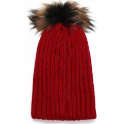 Czerwona Czapka Through Every Move. Czerwone czapki zimowe damskie other. Za 59,99 zł.