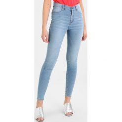 Cheap Monday HIGH SPRAY Jeans Skinny Fit stone bleach. Niebieskie boyfriendy damskie Cheap Monday. Za 209,00 zł.