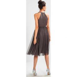 Sukienki hiszpanki: Maya Deluxe EMBELLISHED HALTER NECK MIDI Sukienka koktajlowa charcoal