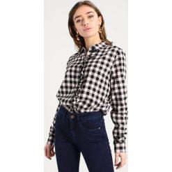 Koszule wiązane damskie: Noisy May Petite NMERIK FRONT FRILL Koszula black
